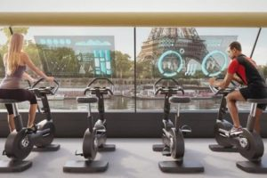 paris-navigating-gym-pedal-powered-boat2-768x450