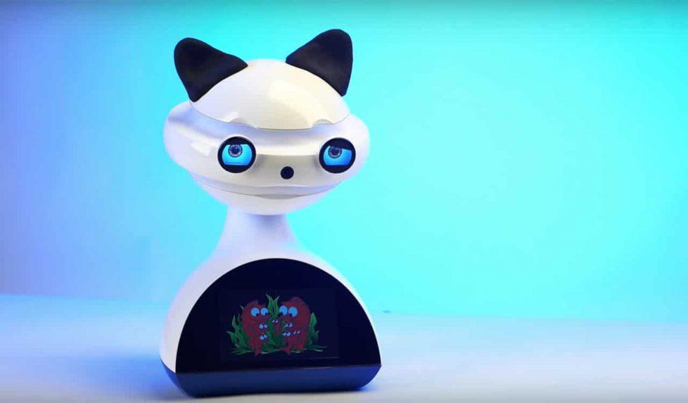 EMYSS-social-language-teaching-robot-for-kids